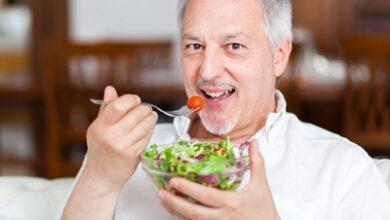 تصویر تغییراتی که پس از 40 سالگی باید در رژیم غذایی تان بدهید