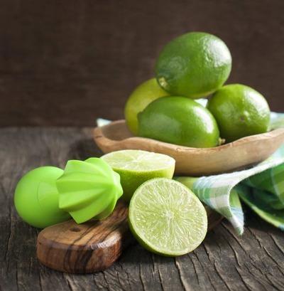 مضرات لیمو ترش،بازگشت اسید معده به مری