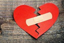 تصویر ۸ اشتباه رایجی که هنگام شکست عشقی نباید بکنید! (طنز)