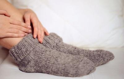 درمان سردی پاها, سردی پاها نشانه چیست,علت سرد شدن دست و پاها و لرزه,علت سرد شدن دست و پاها و لرزیدن