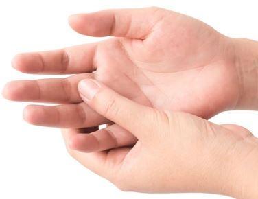 ورم انگشتان دست, علت ورم انگشتان دست ,تورم انگشتان,احتباس آب