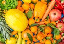 تصویر آشنایی با خواص میوه های نارنجی پاییزی