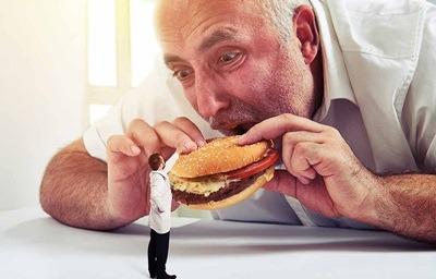 تند تند غذا خوردن, عوارض بد غذا خوردن,مضرات با عجله غذا خوردن,عوارض تند غذا خوردن