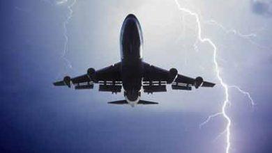 تصویر داستان آموزنده دختری در هواپیمای طوفان زده