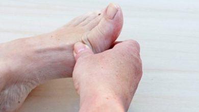 تصویر علل، علائم و درمان درد انگشتان پا