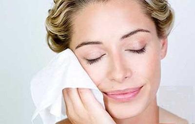 پاک کردن آرایش چشم,پاک کردن آرایش,نحوه پاک کردن آرایش