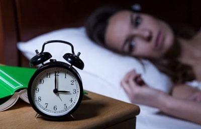 بیماری بی خوابی, دلایل بی خوابی,علت بی خوابی در شب چیست,بی خوابی در نیمه شب